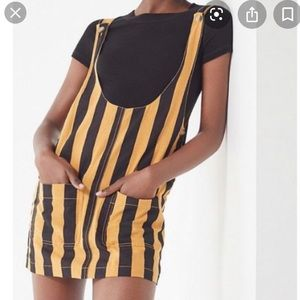URBAN OUTFITTERS Black and yellow overall dress